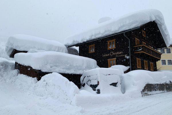 Extreem: sneeuwvalrecords in Oostenrijk!