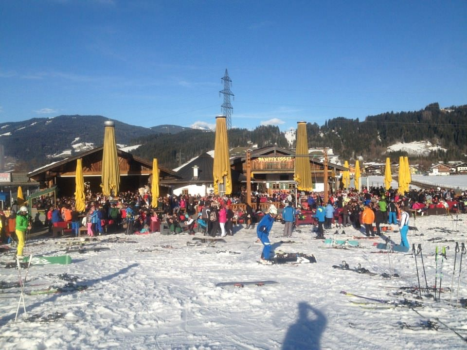 lekker in de zon apres skiën