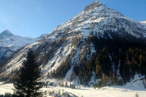 Besneeuwde berg Oost Tirol