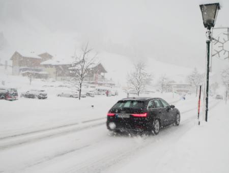 ANWB adviseert wintersporters: blijf tot maandag in Oostenrijk