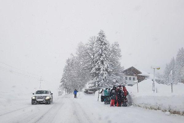 Livebeelden: het sneeuwt in Oostenrijk. 2,6 meter sneeuw onderweg