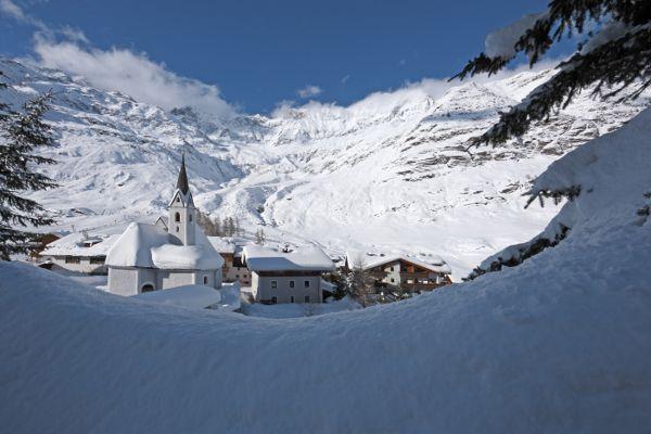 Autovrij wintersportdorp Pfelders in Italie