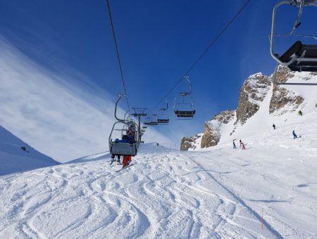 Skikleding in maart of april? Met deze kleine aanpassingen ben je er klaar voor