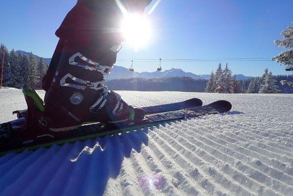 Zon, sneeuw, koud en eerste op de piste