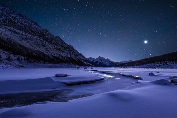 Dark sky vanaf Medicine Lake Jasper