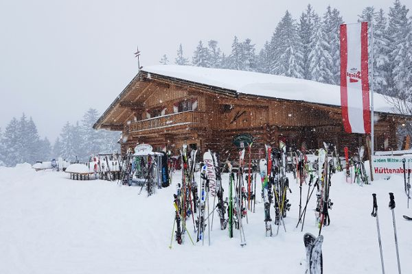 Wintersportweer: enorme dump onderweg naar de skigebieden