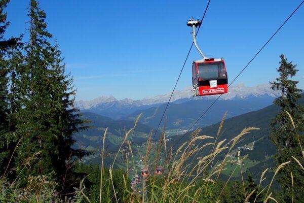 De skiliften zijn weer open! Zo zien de skigebieden er 's zomers uit.