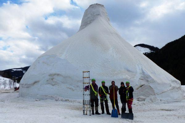 grootste sneeuwpop van Oostenrijk