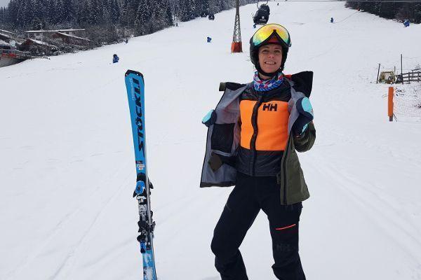 hellly hansen maroi ski jas op de piste