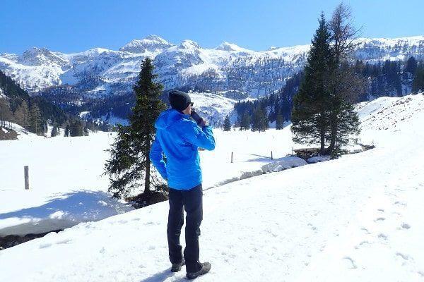 Uitzicht tijdens het winterwandelen.