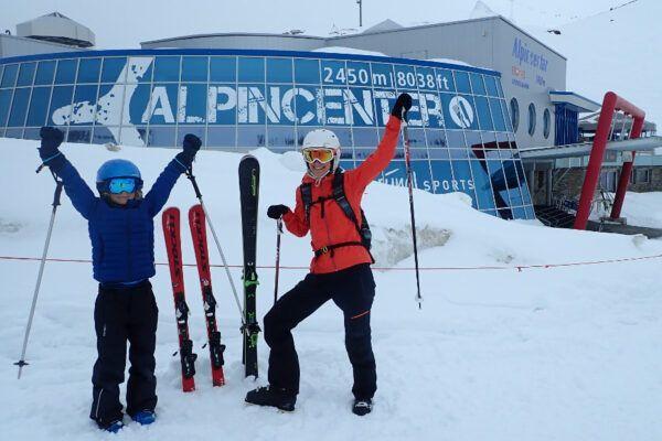 Bij het Alpincenter ligt nog een dik pak verse sneeuw