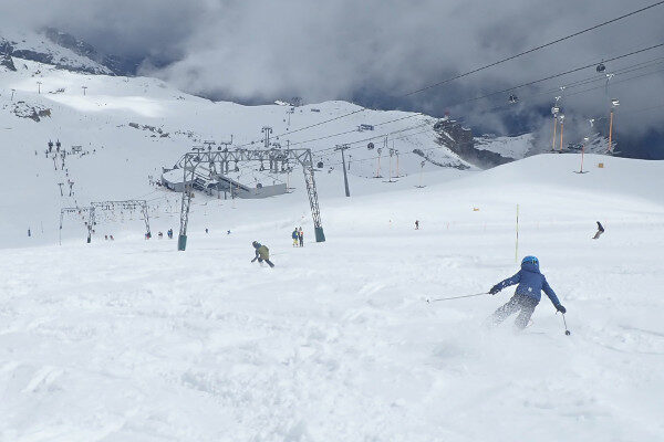 Verse sneeuw op Kitzsteinhorn Kaprun