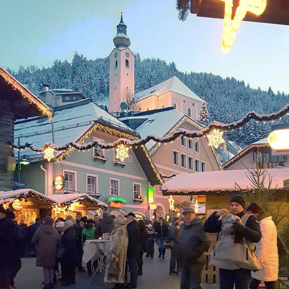 wintersport in december - bezoek aan de kerstmarkt