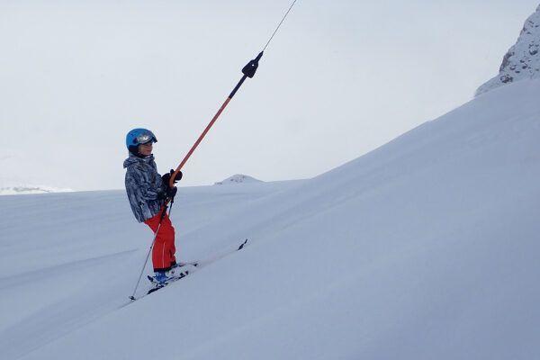 De beste kinder skihelm met vizier - test 2021