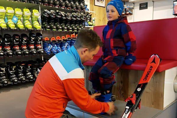 Kinderskischoenen: waar let je op bij de skischoenen voor je kind?