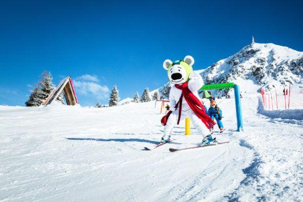 In Obertauern leren kinderen skiën voor €225,- per week. All inclusive
