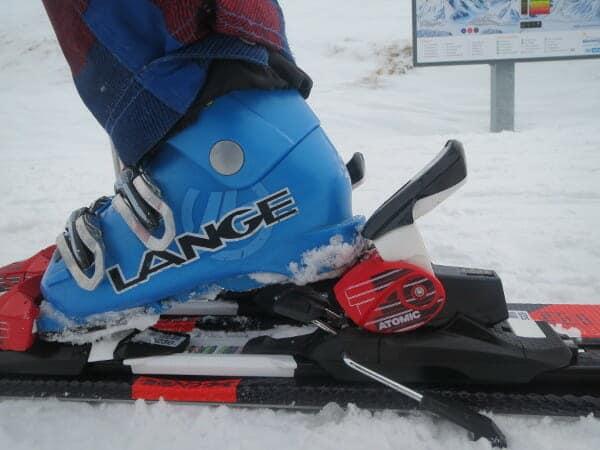 ski aandoen