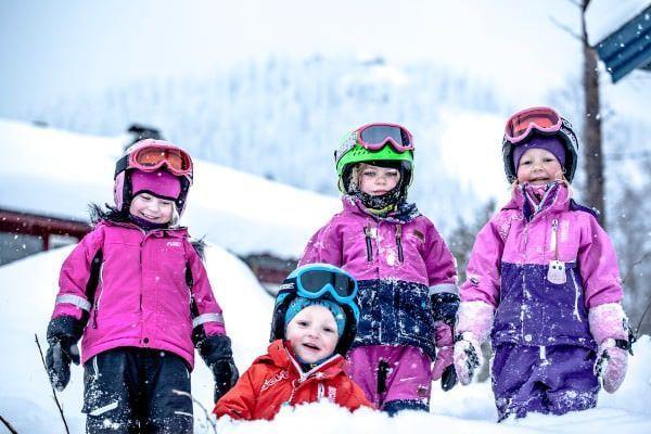 voor een wintersport met baby is goede kleding essentieel