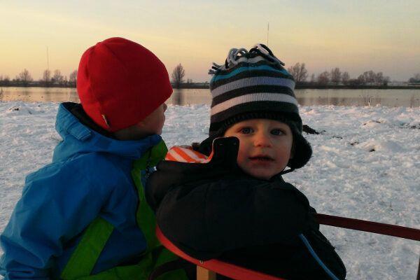 Skikleding baby: zo komt je baby lekker warm de winter door