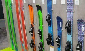 Skiverhuur vergelijken: hoeveel bespaar jij bij online skihuur?