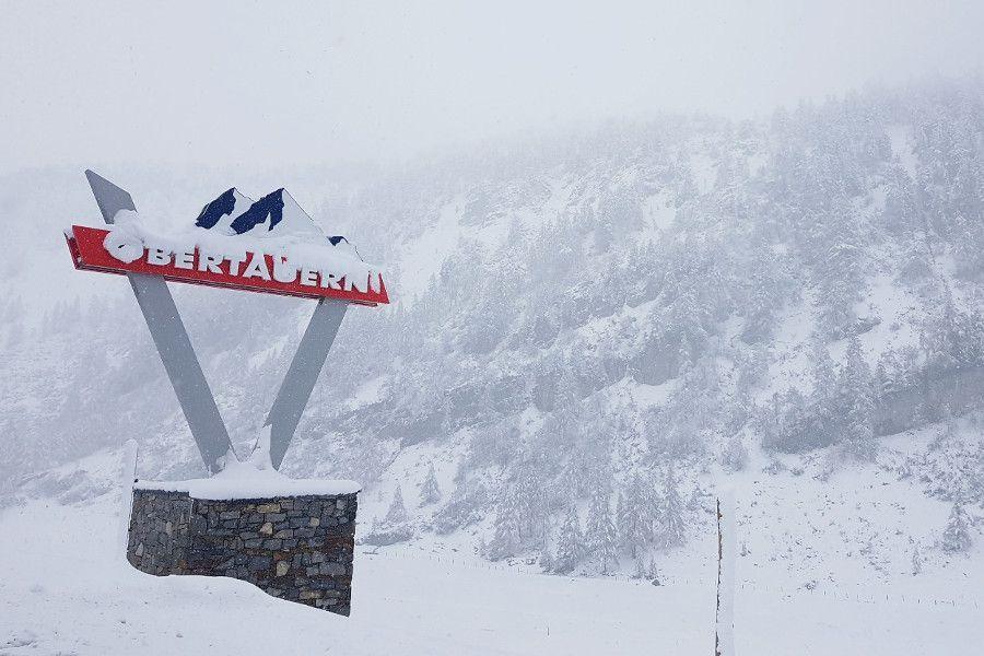 Wintersport in het sneeuwzekerste skigebied in Oostenrijk