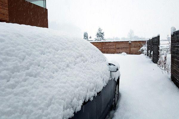 Een meter sneeuw onderweg naar Oostenrijk
