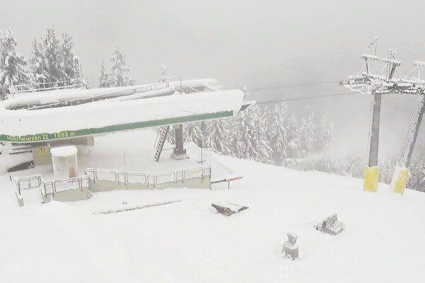 Sneeuwkanonnen aan in Schladming