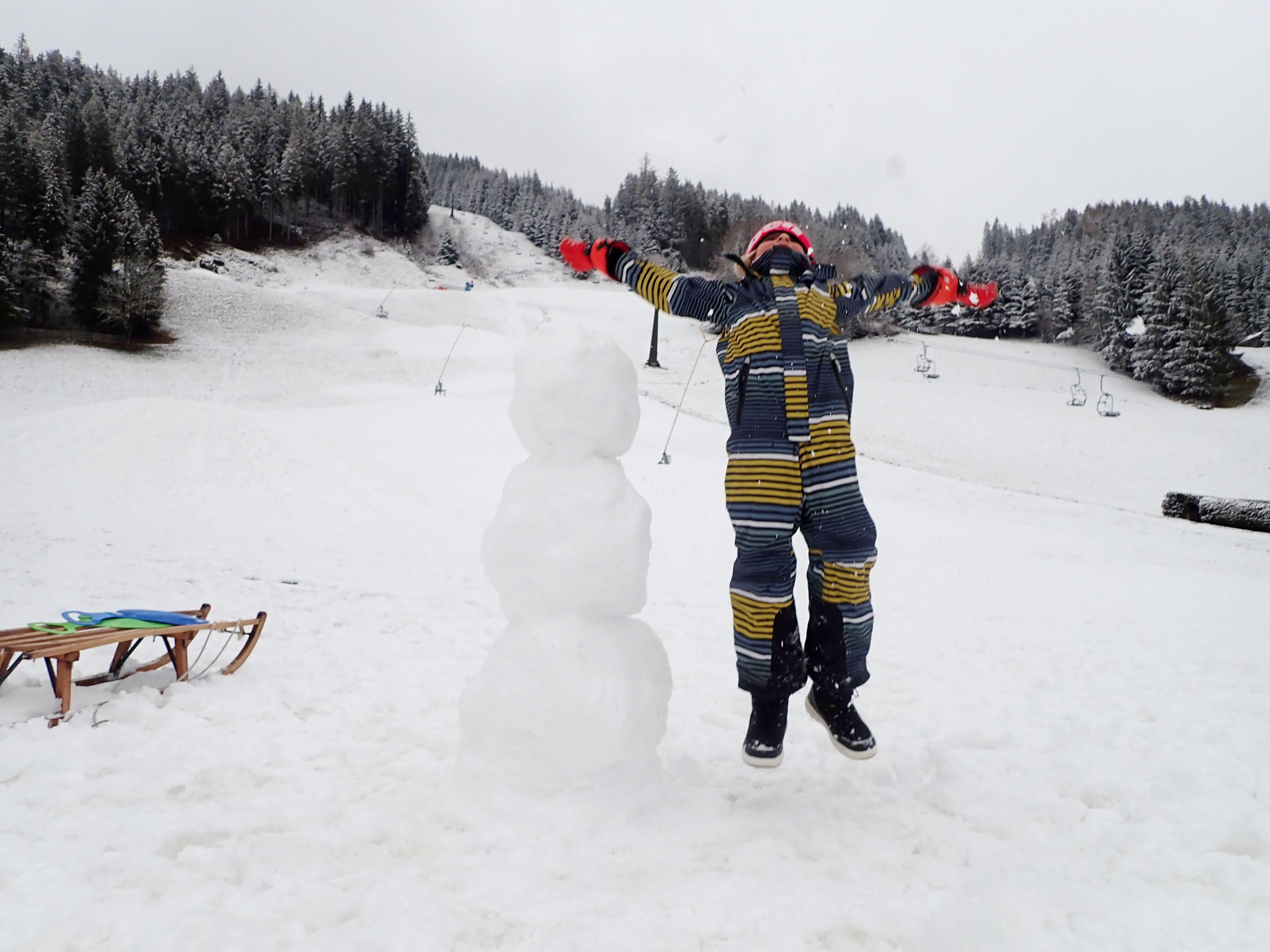 LIVE: sneeuwrijke pistes zonder skiliften zorgen voor bijzondere taferelen