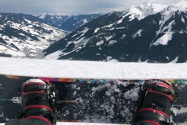 snowboarden in saalbach hinterglemm