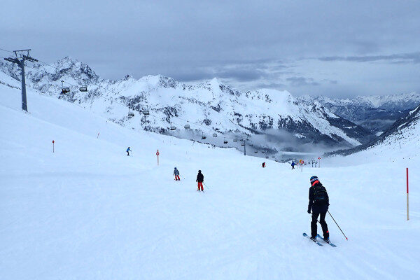 Sportief skigebied Kühtai bij sneeuw weer