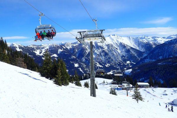 6 redenen om voor de charme van een klein skigebied te kiezen
