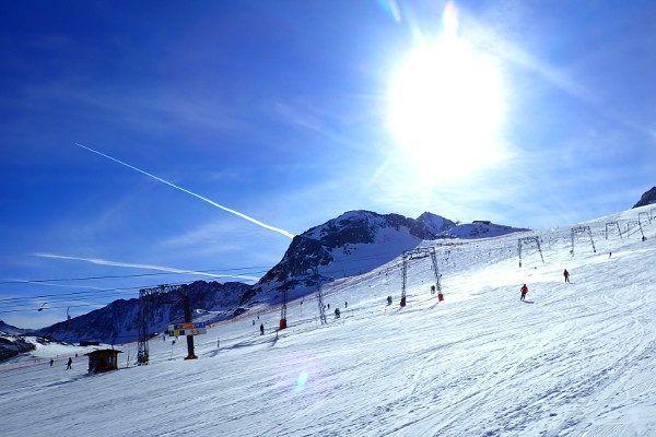 Een bezoek aan de Stubaier Gletsjer in de zon