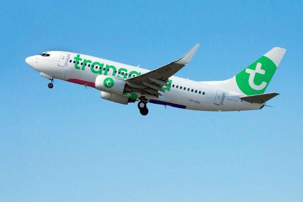 Transavia vliegtuig naar Oostenrijk