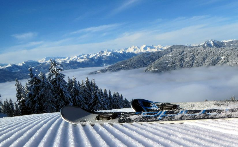 Wintersport december - lege piste, geprepareerd, corduroy Eben Monte Poplolo, Ski Amade