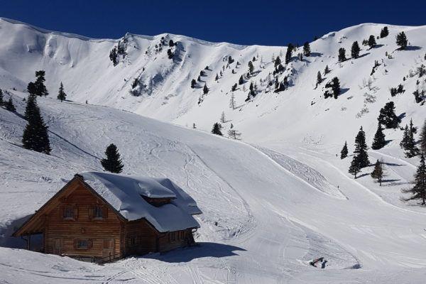 Wintersport eind maart - lege pistes en zonneschijn