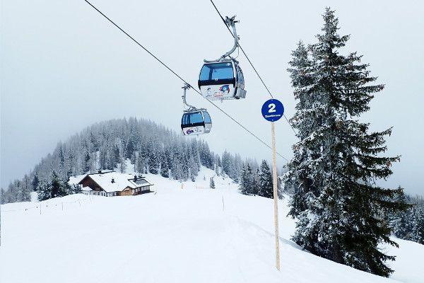 Sneeuw in Zauchensee. Kindvriendelijke piste
