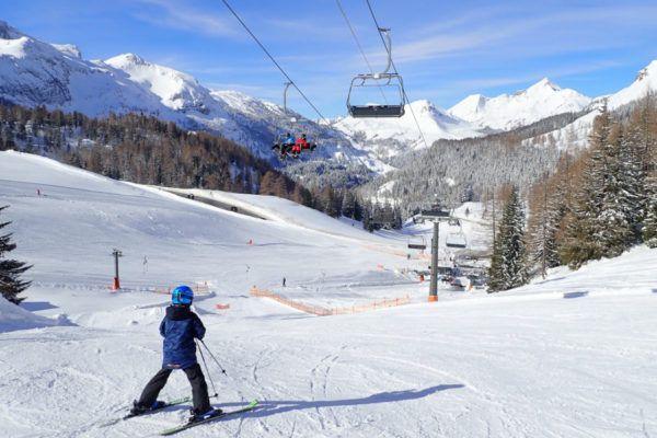 Veilig de piste op met een skihelm