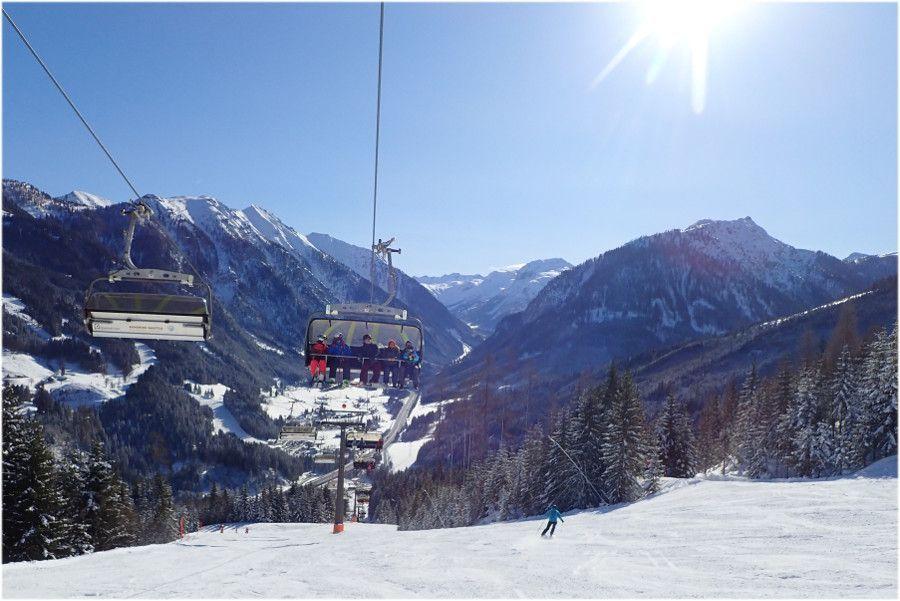 Zon, lege pistes en verse sneeuw. Ultiem genieten.